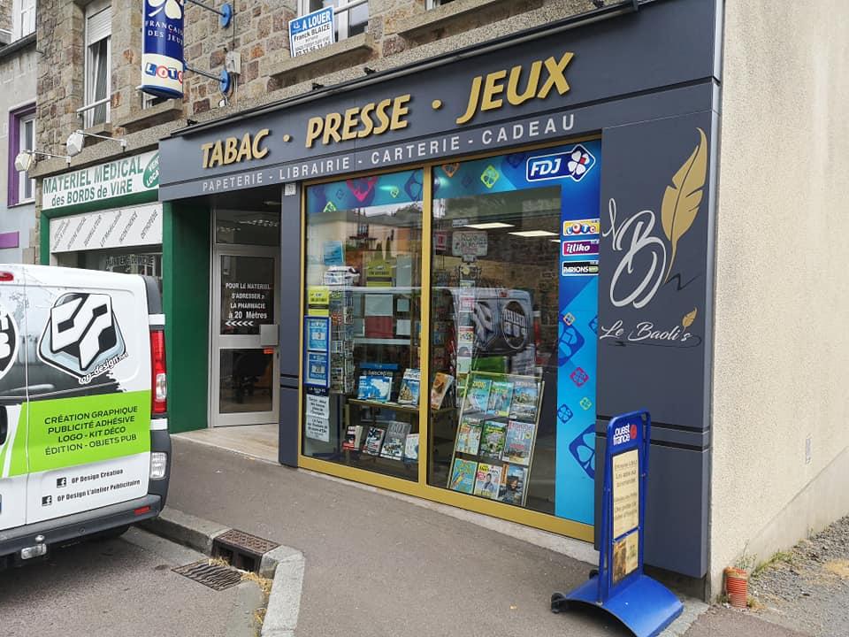 Décoration extérieur devanture magasin Le Baolis